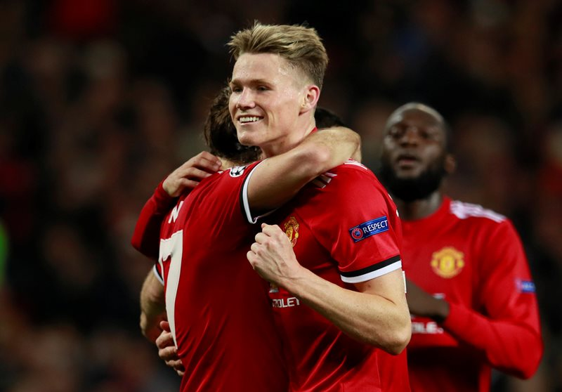 Soccer Football - Champions League - Manchester United vs S.L. Benfica - Old Trafford, Manchester, Britain - October 31, 2017   Manchester United's Daley Blind celebrates with Scott McTominay after scoring their second goal from the penalty spot    Action Images via Reuters/Jason Cairnduff